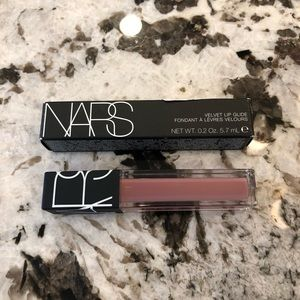 NARS Velvet in Bound Tried once Perfect for bundle